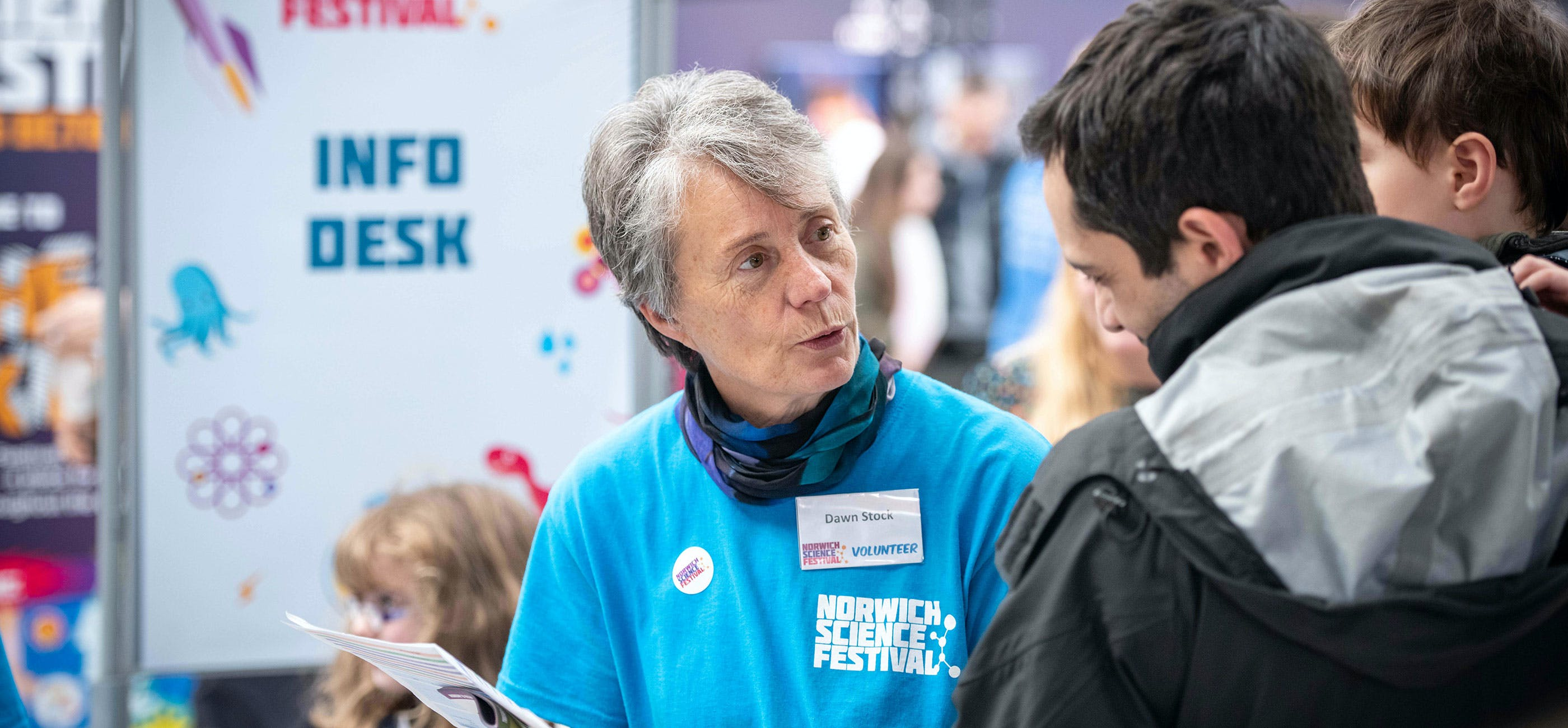 Volunteer at Norwich Science Festival 2019 - credit Simon Finlay Photography
